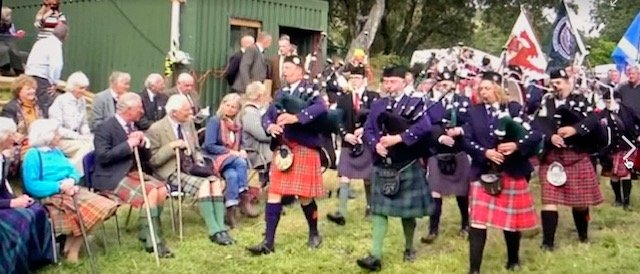 Pipe band marching